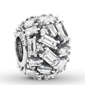 New Pandora Chiseled Elegance charm silver